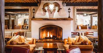 Inn & Spa at Loretto - Santa Fe - Living room