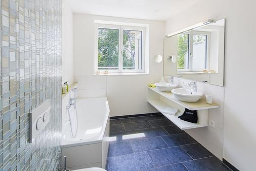 Taome Feng Shui Stadthotel Breisgau - Emmendingen - Bathroom