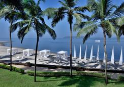Goa Marriott Resort and Spa - Panaji - Beach