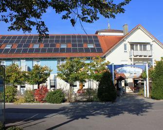 Hotel Restaurant Krone - Фрідріхсгафен - Building