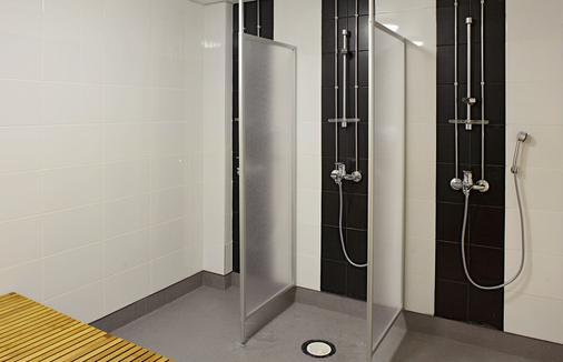 Cheapsleep Helsinki - Hostel - Helsinki - Phòng tắm
