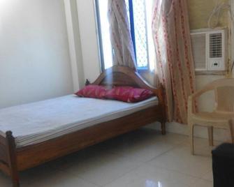 Goroomgo Royal Palace Puri - Puri - Bedroom