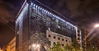 Hotel Silken Puerta de Valencia - ולנסיה - בניין