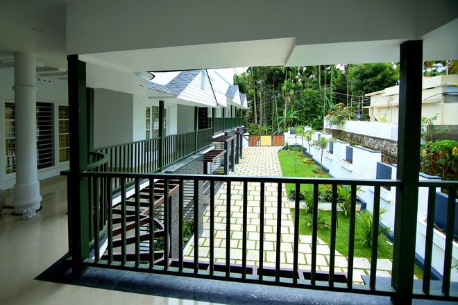 Le Villagio Holiday Apartment - Sultan Bathery - Balcony