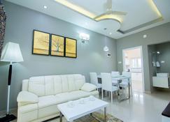Le Villagio Holiday Apartment - Sultan Bathery - Sala de estar
