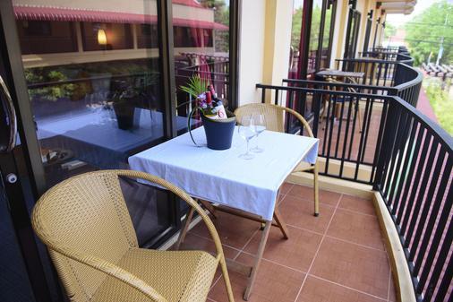 Grand Sihanouk Ville Hotel - Krong Preah Sihanouk - Balcony