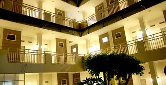The Sriwijaya Hotel - Padang