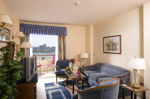 Swiss Inn Nile Hotel - Cairo - Phòng khách