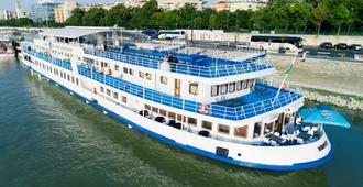 Boat Hotel Fortuna - בודפשט - בניין