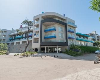 Vizion Suites - Cariló - Building