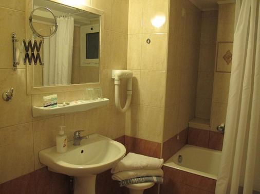 Solomou Hotel - Athens - Phòng tắm