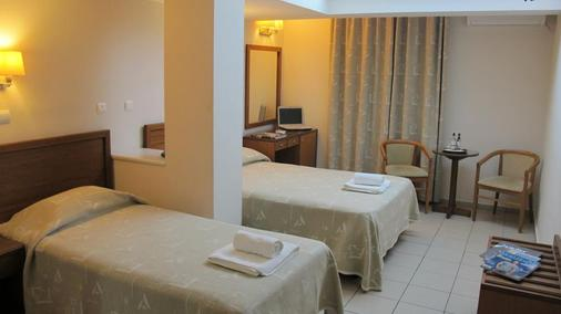 Solomou Hotel - Athens - Phòng ngủ