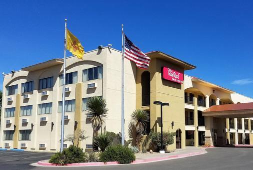 Red Roof Inn Albuquerque - Midtown/ UNM Hospital - Albuquerque - Building