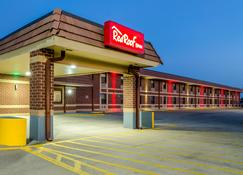 Red Roof Inn & Conference Center Wichita Airport - Wichita - Edificio