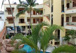Hotel Estancia San Carlos Guayabitos - Rincon de Guayabitos - Building