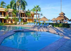Hotel Estancia San Carlos Guayabitos - Rincon de Guayabitos - Piscina