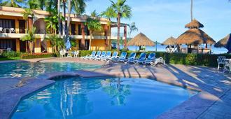 Hotel Estancia San Carlos - Rincon de Guayabitos - Piscina