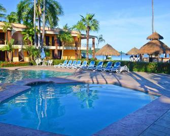 Hotel Estancia San Carlos - Rincon de Guayabitos - Pool