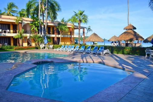 Hotel Estancia San Carlos Guayabitos - Rincon de Guayabitos - Pool