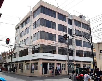 La Merced Plaza Hostal - Riobamba - Building