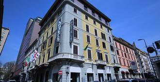 Mokinba Hotels Baviera - Milan - Building
