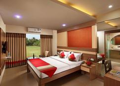 Red Fox Hotel, Morjim, Goa (By Lemon Tree Hotels) - Morjim - Bedroom