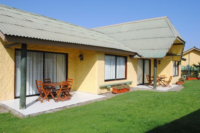 Hotel y Cabañas Mar De Ensueño - La Serena - Patio