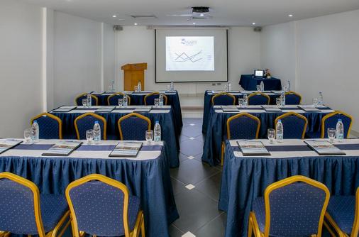 Hilton - Porlamar - Meeting room