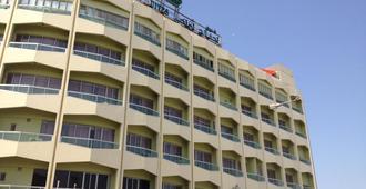 Imperial Suites Hotel - Manama - Building
