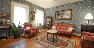 The Brownstone Inn - Eureka Springs - Sala de estar