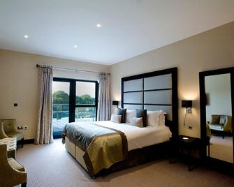 The Lodge At Kingswood - Tadworth - Bedroom