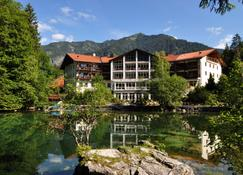 Hotel am Badersee - Grainau - Building