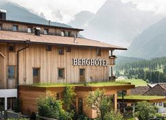 Berghotel - Sesto - Building