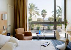 Occidental Atenea Mar - Adults only - Barcelona - Phòng ngủ