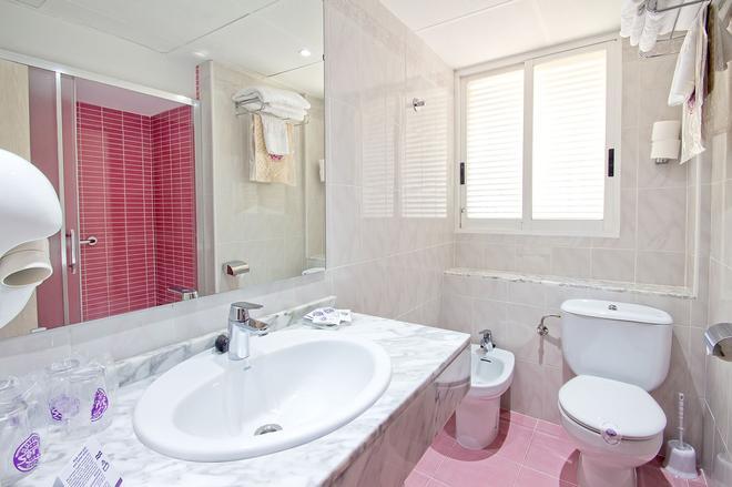 Hotel Servigroup Torre Dorada - Benidorm - Bathroom