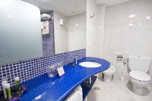 Hotel Servigroup Diplomatic - Μπενιντόρμ - Μπάνιο