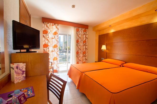 Hotel Servigroup Diplomatic - Benidorm - Bedroom