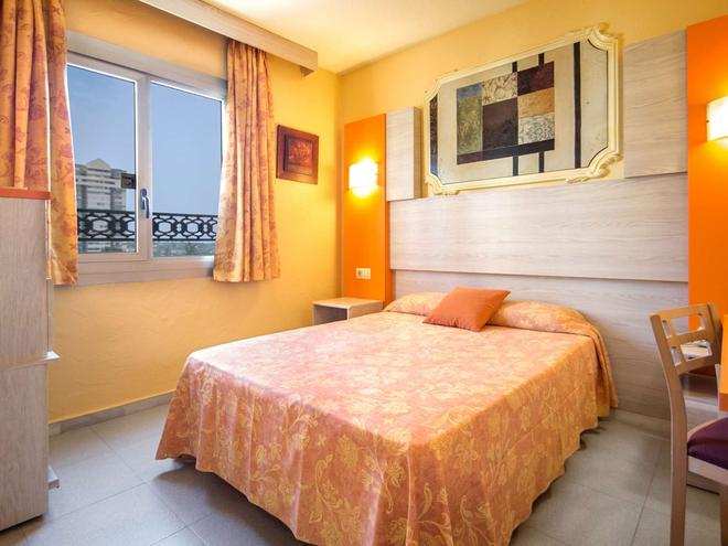 Hotel Servigroup Orange - Benidorm - Bedroom