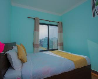 Oyo 271 Hotel Golden Three - Lalitpur - Slaapkamer