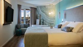 Suites del Mar by Melia - Alicante - Soveværelse
