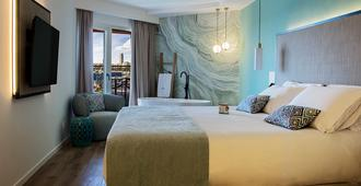 سويتس ديل مار باي ميليا - اليكانتي - غرفة نوم