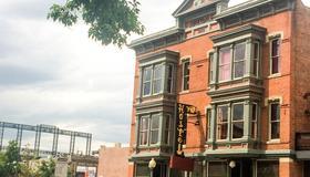 Hostel Fish - Denver - Building
