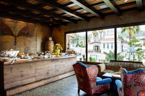 Petit Ermitage - Los Angeles - Buffet