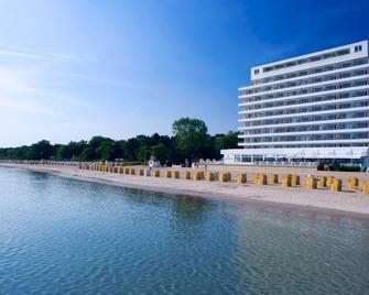 Grand Hotel Seeschlösschen Spa & Golf Resort - Timmendorfer Strand - Gebäude