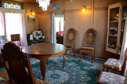 Houseboat Zaindari Palace - Srinagar - Phòng ăn