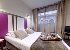 Adonis Ajaccio - Hotel Albion - אז'אקסיו - חדר שינה