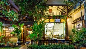 Changmoi House (Little Village) - Chiang Mai - Toà nhà