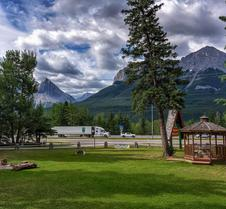 Rundle Chalets