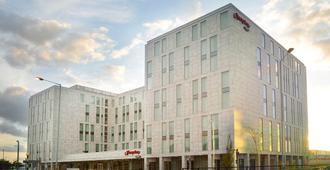 Hampton by Hilton London Stansted Airport - Станстед