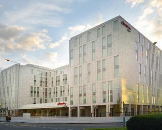 Hampton by Hilton London Stansted Airport - Stansted (Essex) - Gebouw